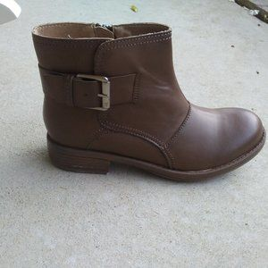 14. Kenneth Cole Reaction boots.